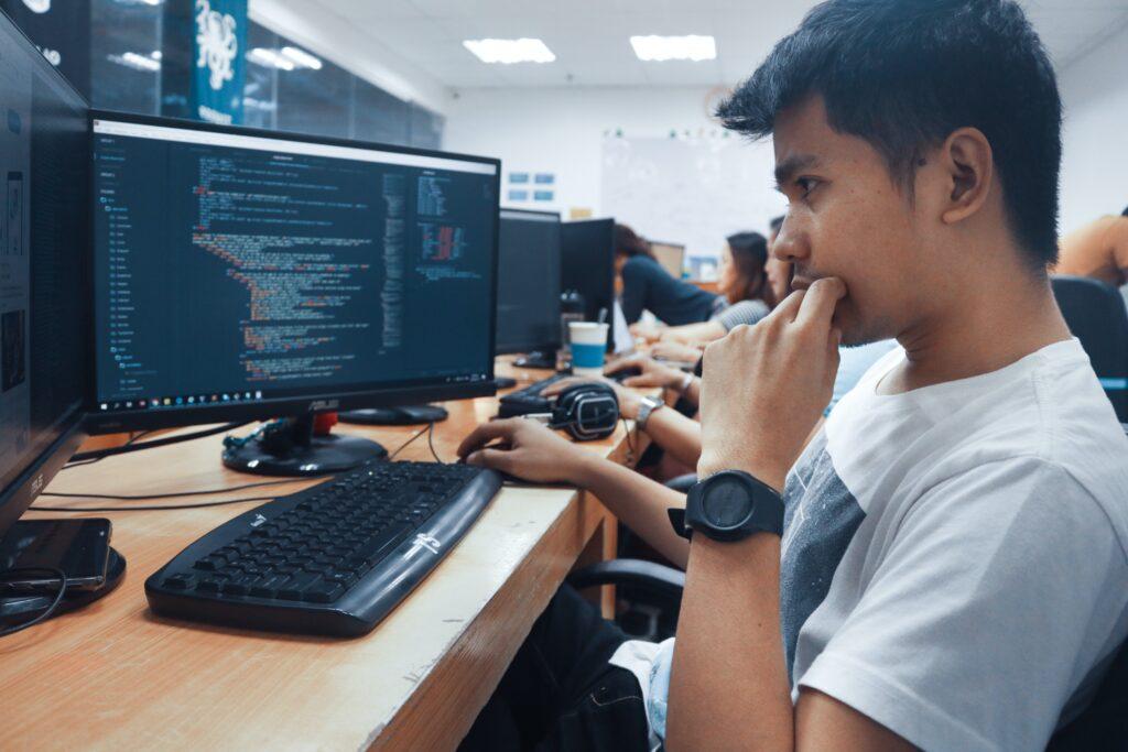 diferença entre um desenvolvedor web e um web designer